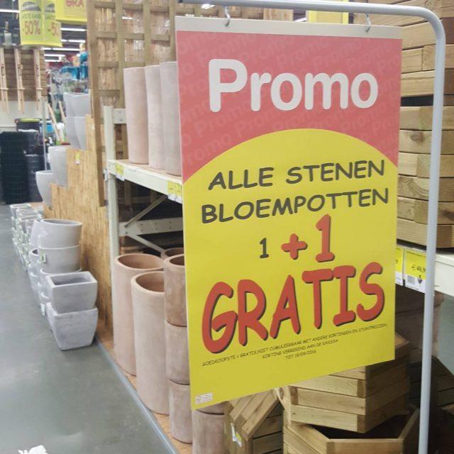 Gezien bij Broco korting 11 actie stenen bloempotten